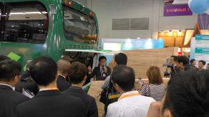 潘志健博士-香港生產力促進局APAS研究及發展中心首席顧問 介紹輛混合動力客車運作